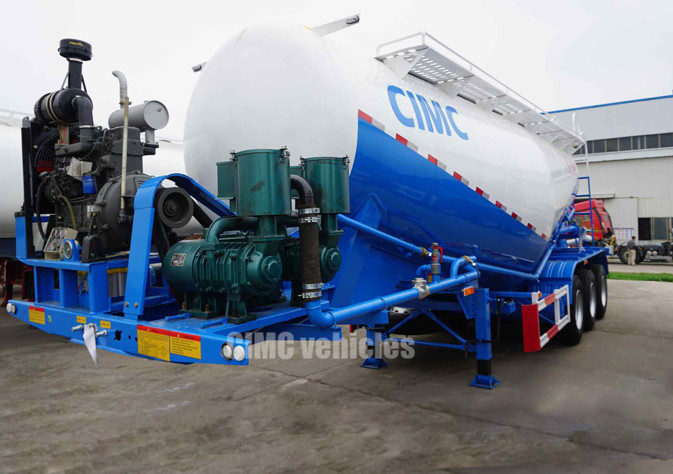 Tri-axle pneumatic powder material trailer
