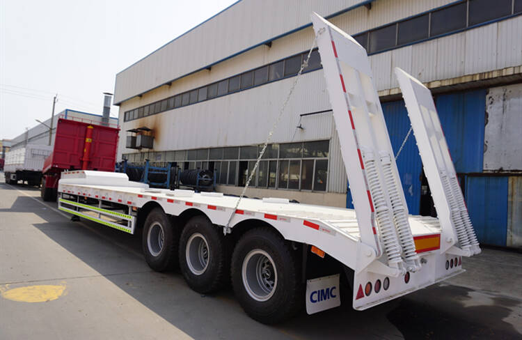 Tri Axle 90 Ton Low Bed Truck for Sale in Zimbabwe