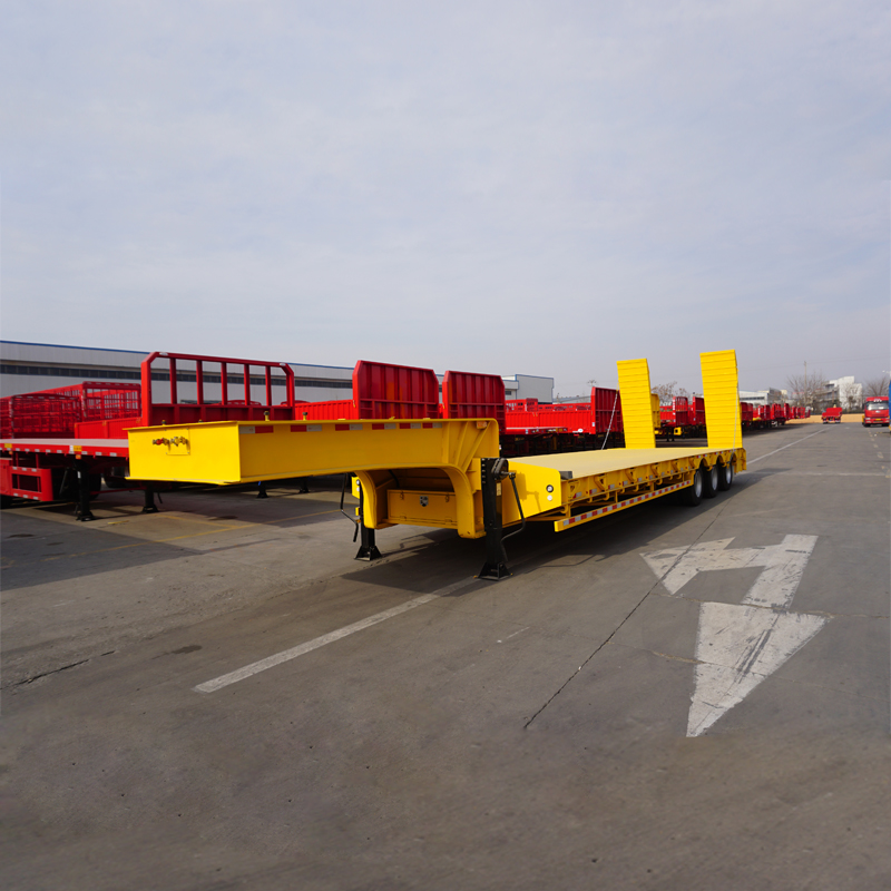 tri-axle low bed trailer 60 tons